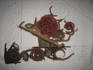 Antique rose basket rug hooking pattern